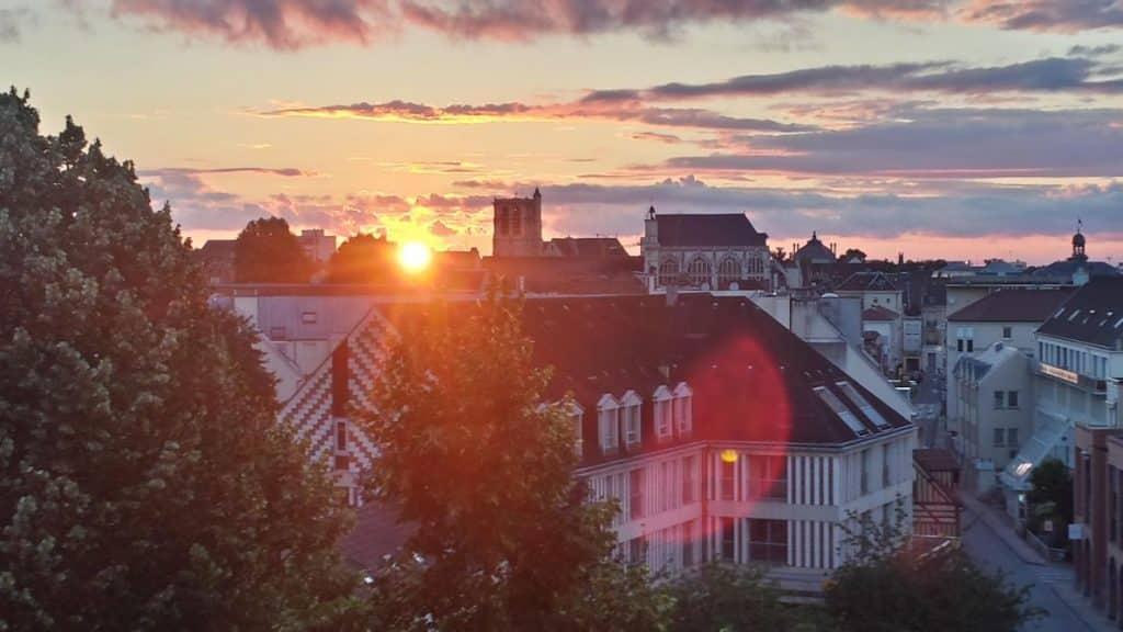 soleil se lève en France